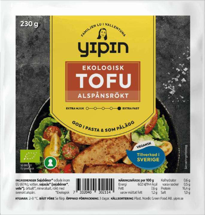 Bilden visar förpackningen till 230 g Yipin alspånsrökt tofu ekologisk.
