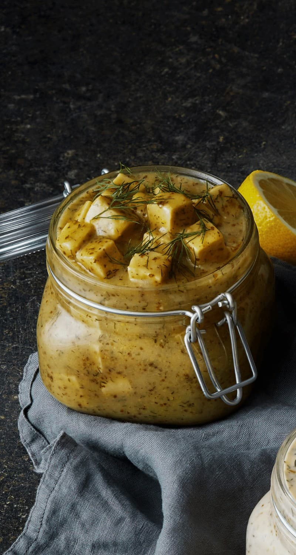 Bilden visar tofusill senap, vegansk senapssill